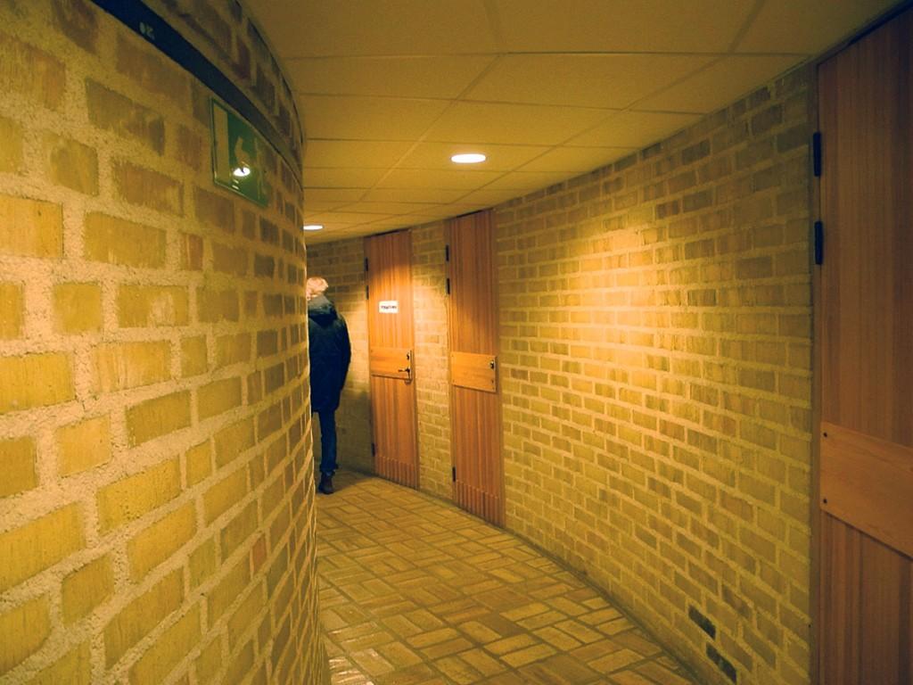 Det var inte helt trivialt att navigera de nedre planen, men man fick gott tillfälle att verkligen uppleva det gula tegel som frikostigt använts i kyrkans konstruktion.