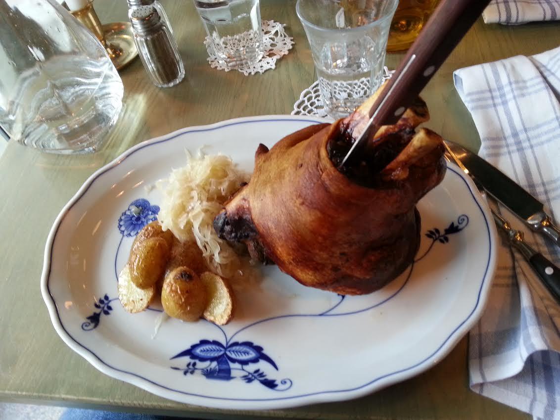 moldau restaurang boka bord